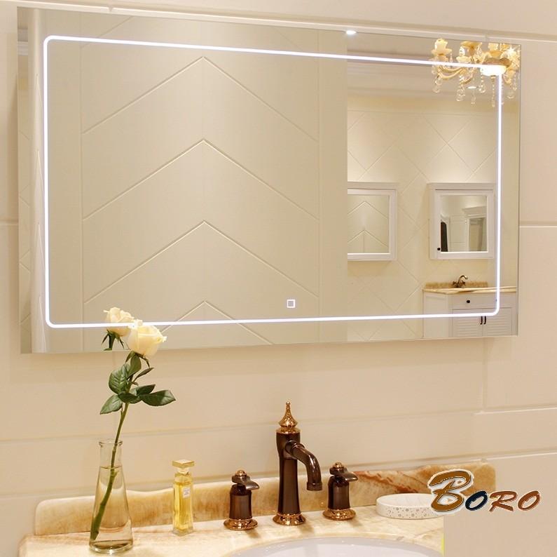 Gương chữ nhật trong nhà tắm